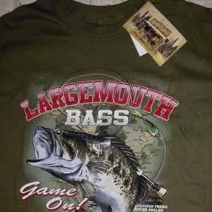 Men's Medium Green Largemouth Bass T-Shirt